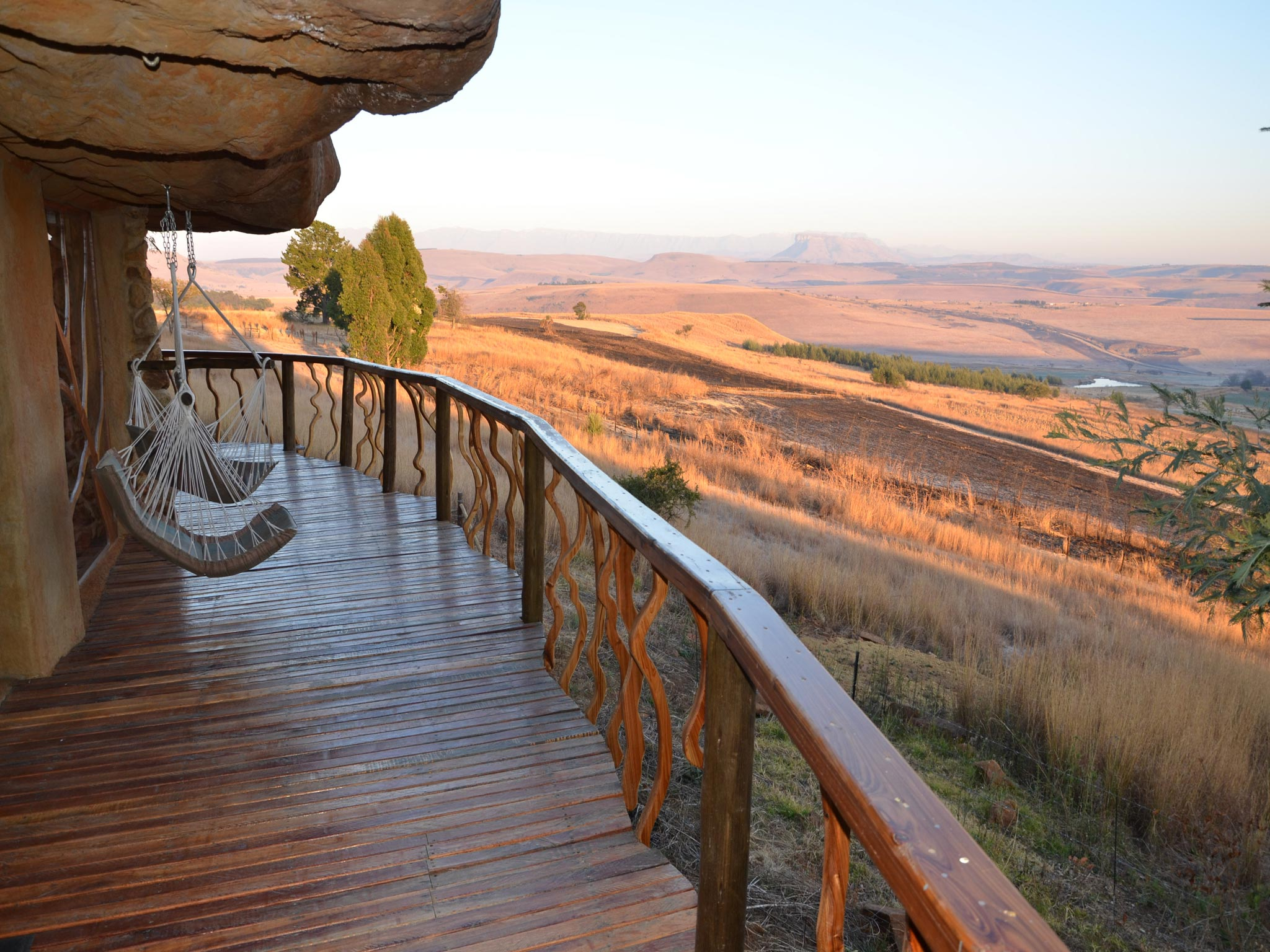 The deck of this Drakensberg luxury cave