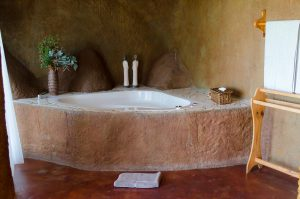 Drakensberg luxury cave with jacuzzi spa bath