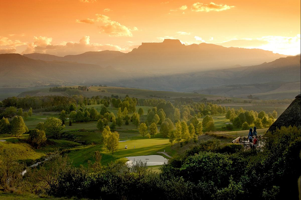 Drakensberg golfing - Champagne Sports Resort