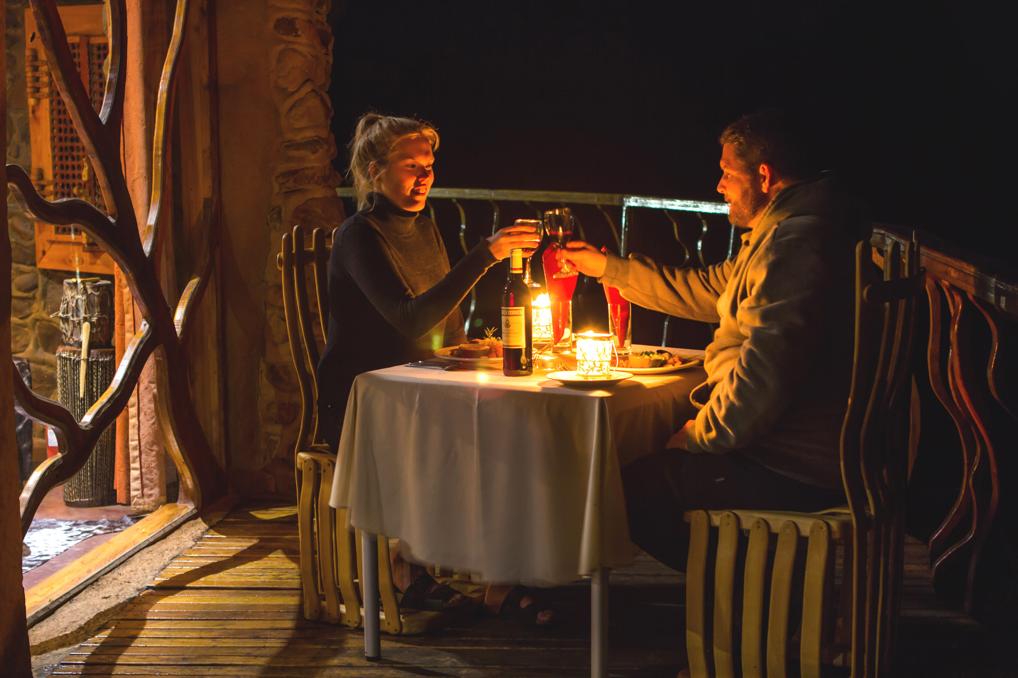 Drakensberg honeymoon - Private dining experice on the deck of your cave